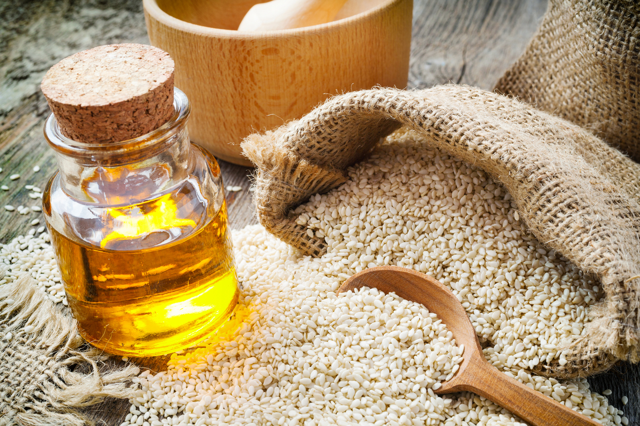 Sesame Seed oil reduces pain and phlebitis from IV chemotherapy