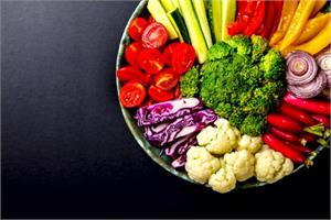 Rainbow diet links to improved bone structure as you age