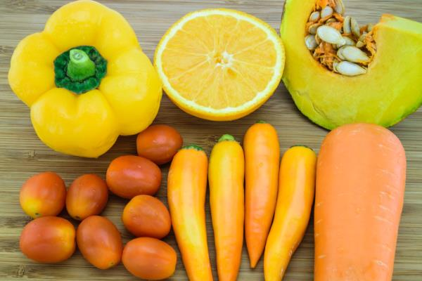 Carotenoids lower risk of breast cancer
