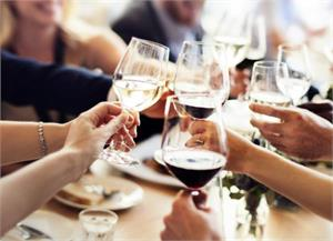 Light to moderate drinking improves life expectancy