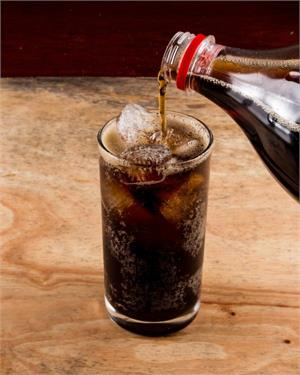 Consuming fizzy sugary soft drinks linked to heighted risk of rare cancers