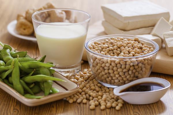 Soy, soya milk and cows' dairy