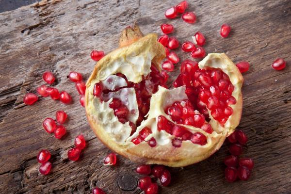 Pomegranates aid longevity and fight heart disease, high blood sugar levels and breast and prostate cancer